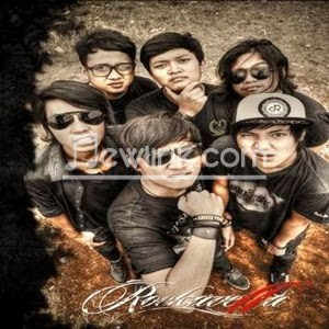 "Download Lirik dan Lagu Rockavella "" Kau Pilih Dia "" | Full Muziek Mp3"